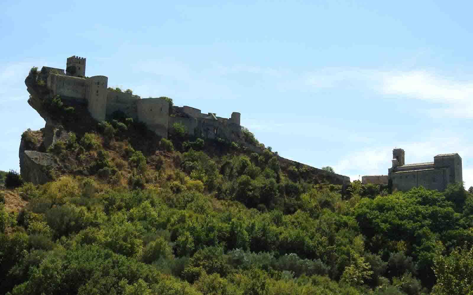 Castello di roccascalegna soggiorno ulivi for Soggiorno castello